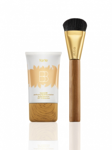 beyond BB perfecting liquid foundation with brush -