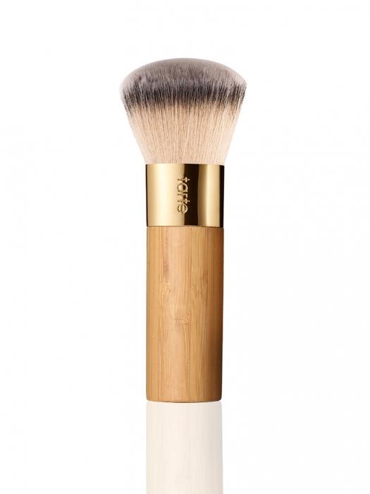 Foundation Brush: The Bufferâ ¢ Airbrush Finish Bamboo Foundation Brush